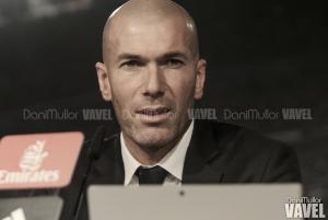 """Zidane: """"Me gustaría subirme aquí a la mesa y bailar, estoy muy feliz"""""""