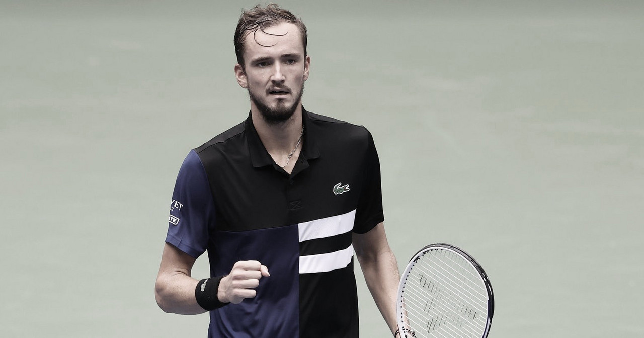 Com dois tiebreaks, Medvedev supera Rublev em duelo russo no US Open