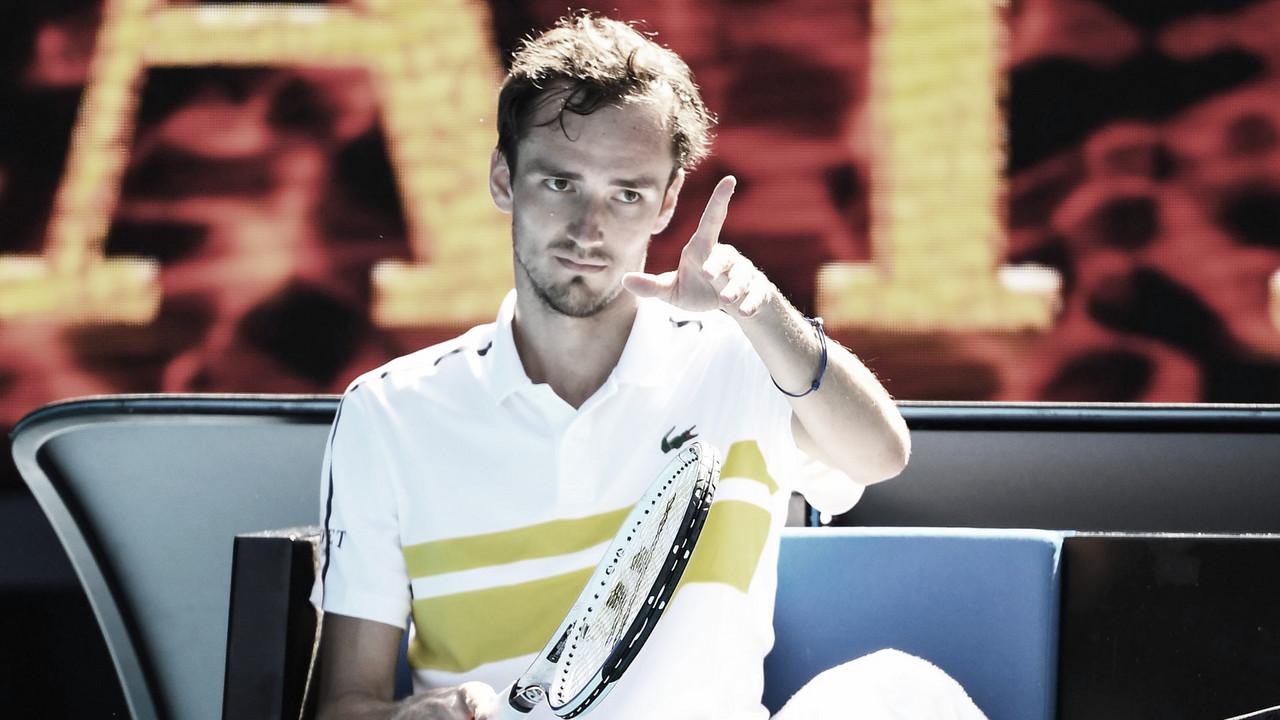 Medvedev domina Rublev, mantém invencibilidade e avança às semis do Australian Open