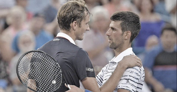 Medvedev desbanca Djokovic e vai em busca do maior título da carreira em Cincinnati