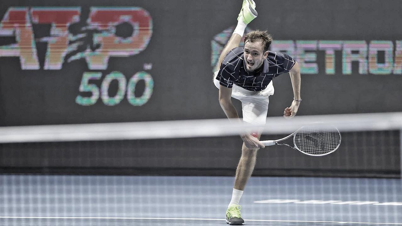 Atual campeão, Medvedev precisa de três sets para eliminar Gasquet emSão Petersburgo