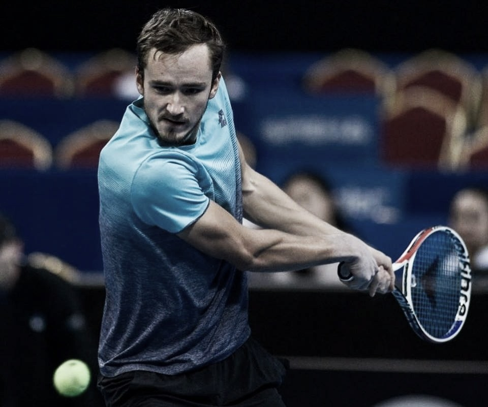 Medvedev vira contra Haase e segue às quartas em Sófia