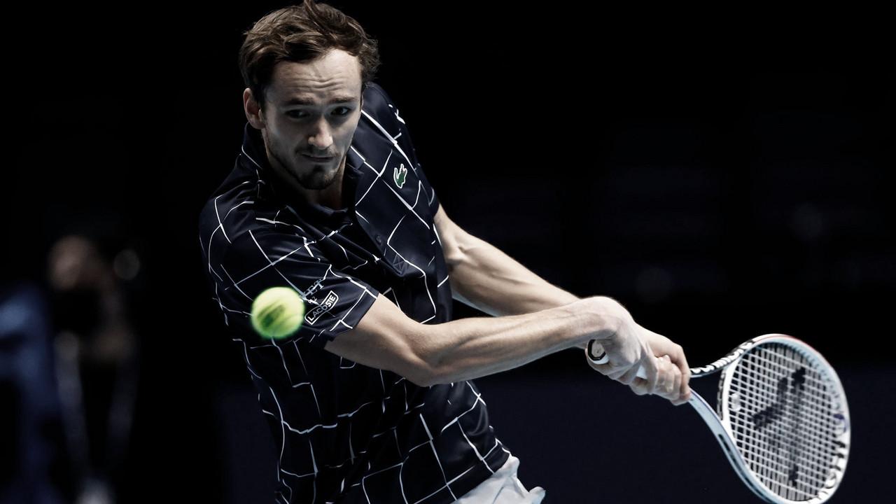 Medvedev bate Schwartzman e fecha primeira fase do ATP Finals de forma invicta