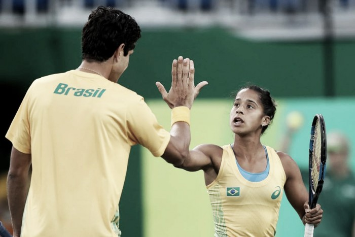 Marcelo Melo e Teliana Pereira eliminam favoritos franceses e vão às quartas na Rio 2016