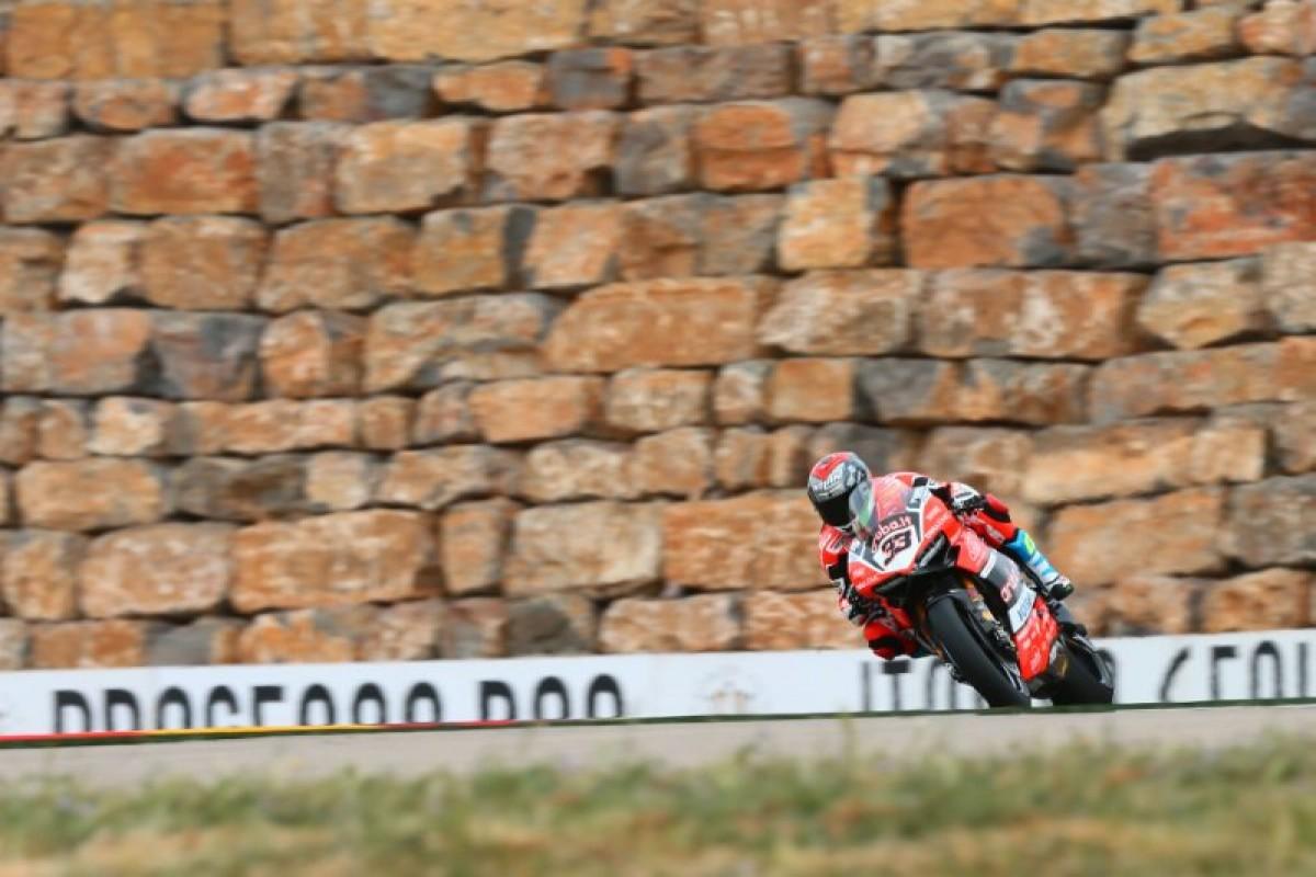 GP Aragon: Melandri conquista la Superpole