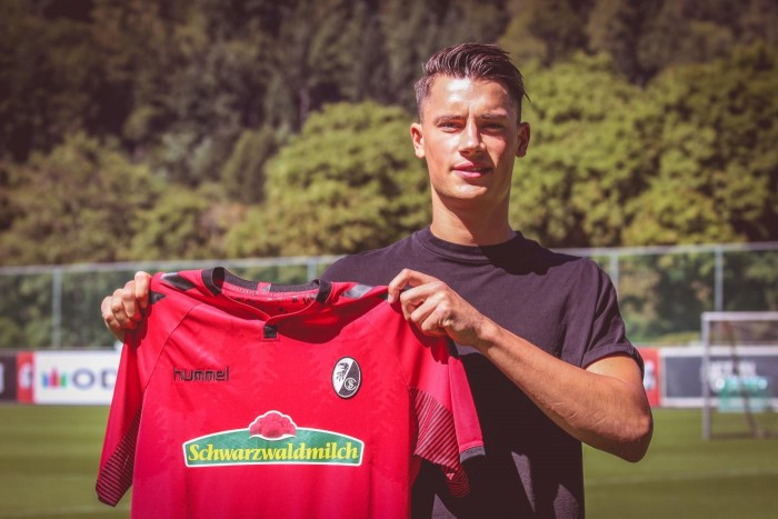 Freiburg complete move for defender Robin Koch
