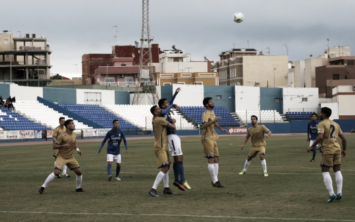 Cero fútbol y cero goles en Melilla