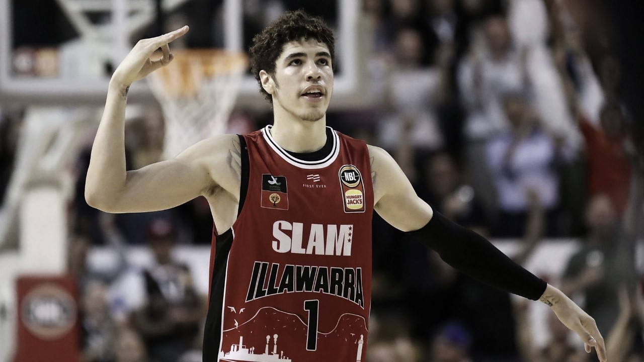 LaMelo Ball donates one month of his salary to those affected by the Australian wildfires