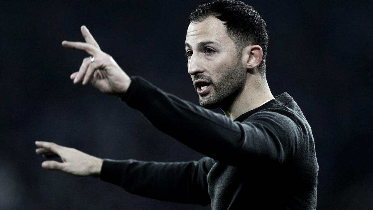 """Tedesco lamenta derrota do Schalke para o Dortmund no clássico: """"Foi difícil para nós"""""""