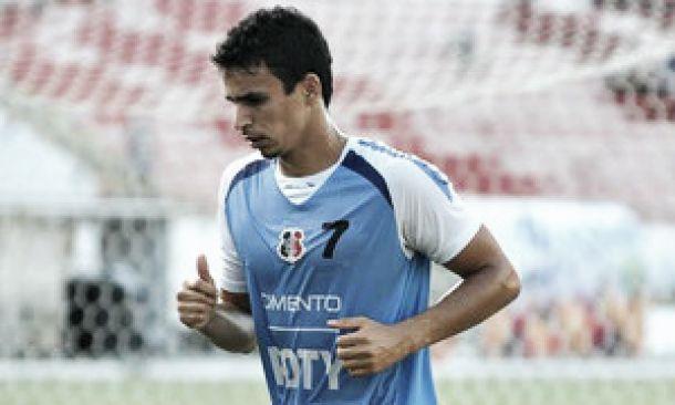 """Volante Memo comenta o gol diante do Joinville: """"Acho que só vem coroar minha dedicação"""""""