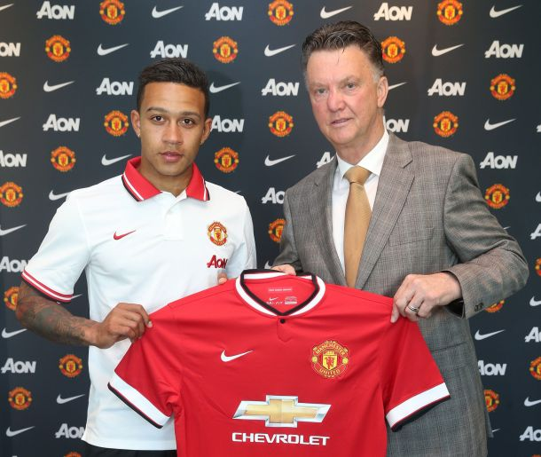 OFFICIAL: Memphis Depay is now a Manchester United player