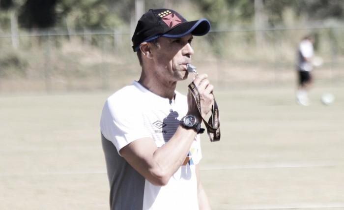 Ex-companheiros, Milton Mendes e Rodrigo se desentendem após partida entre Vasco e Ponte Preta