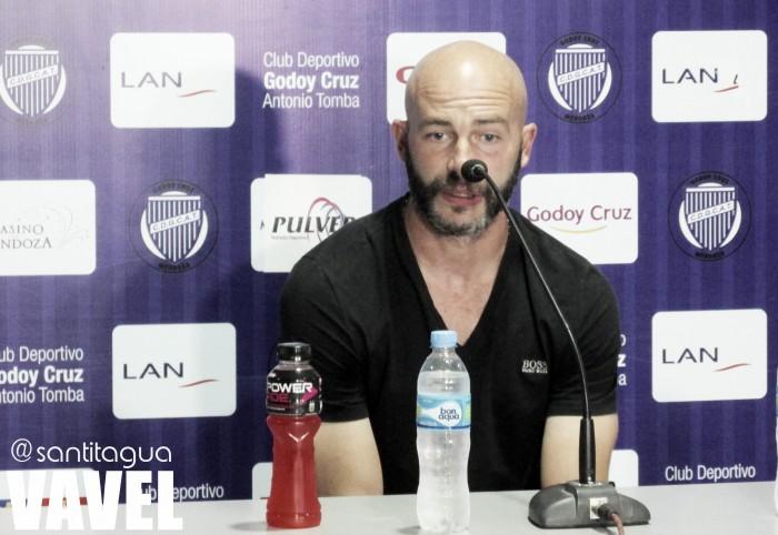 """Méndez: """"Para mí es un placer dirigirlos, es un placer estar acá"""""""
