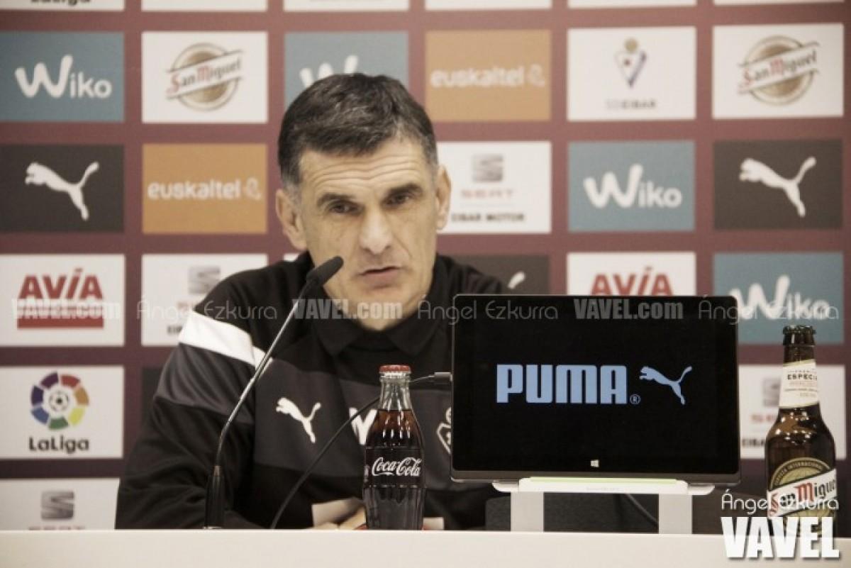 """Mendilibar: """"Si ganáramos fuera de casa estaríamos en Champions"""""""
