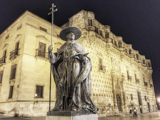 Los Mendoza, el apellido de la Modernidad