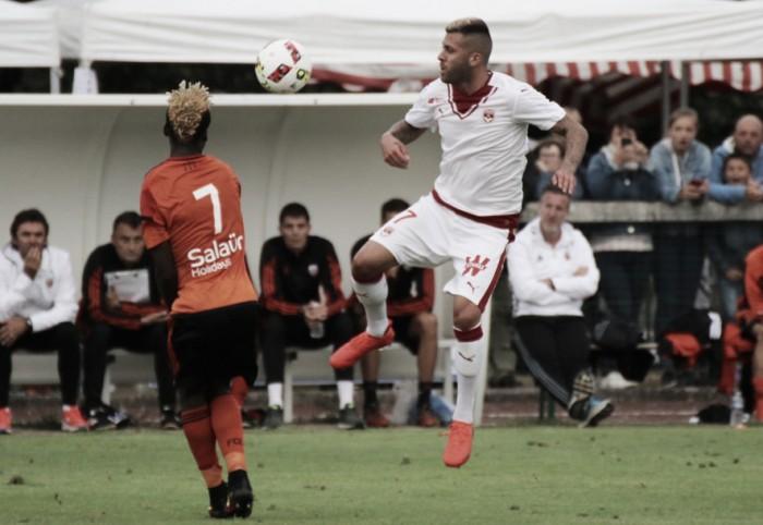 Em seu primeiro jogo pelo Bordeaux, Ménez perde parte da orelha direita