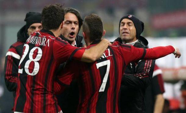 El Milan doblega a un Nápoles desesperado