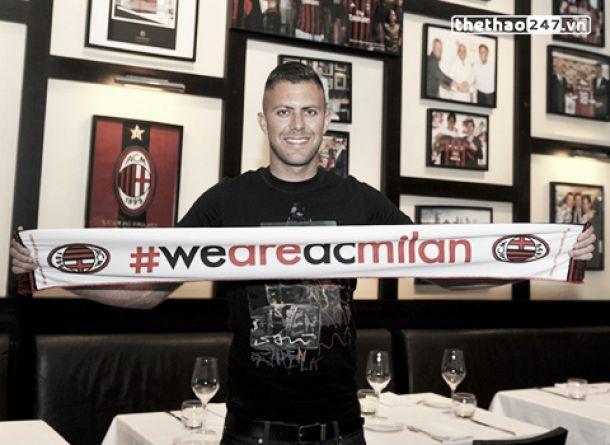 Ménez assina pelo Milan