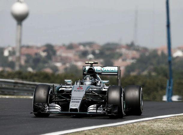 """La domenica nera della Mercedes: """"È andato tutto storto, ma può capitare"""""""