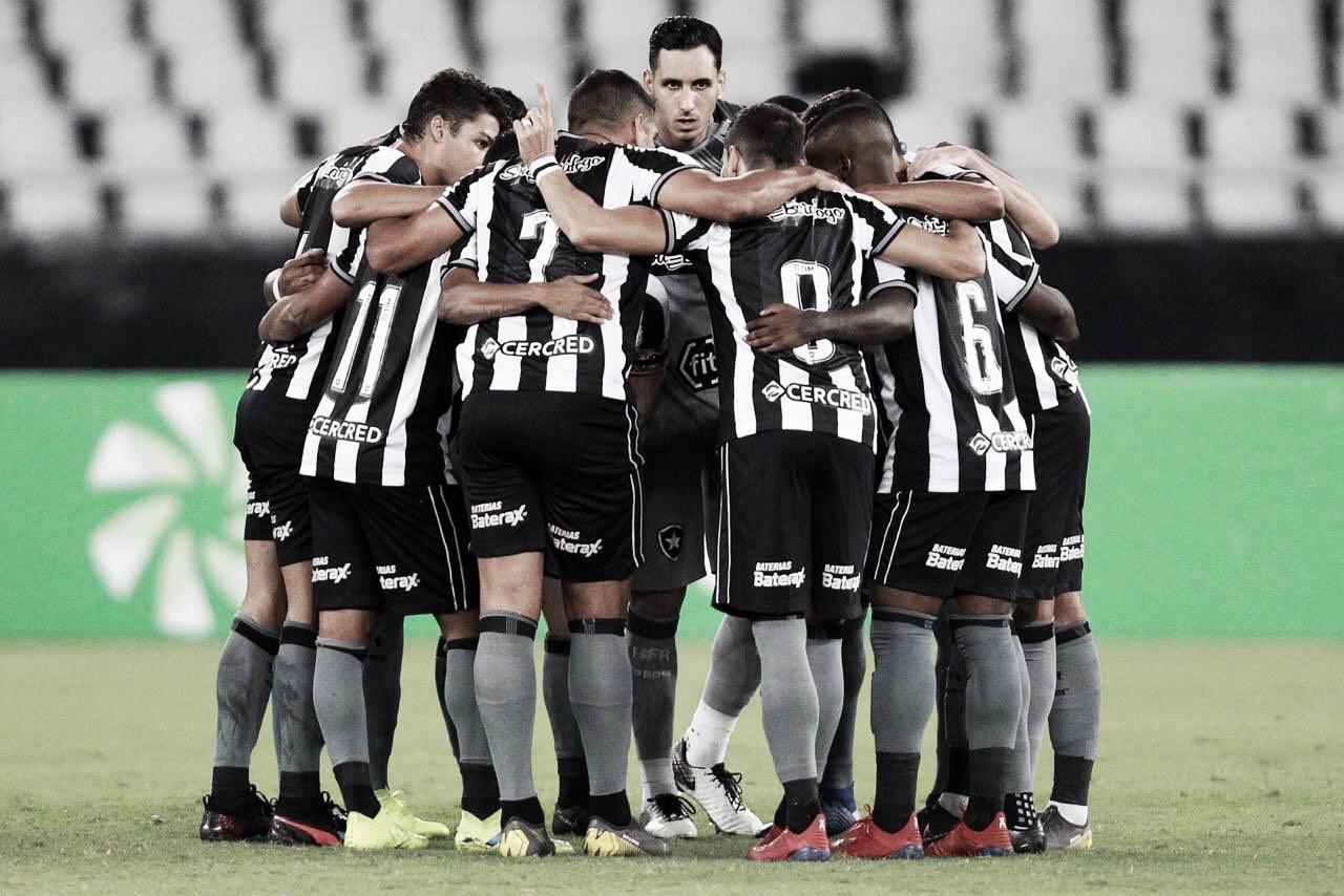 Expulsões, provocação e chances perdidas: Botafogo pressiona mas fica no empate contra o Juventude