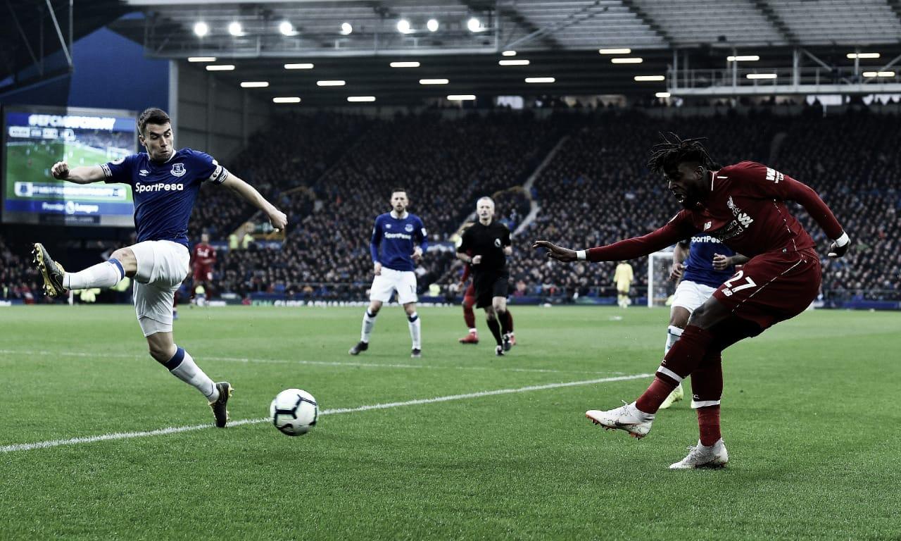 Liverpool empata com Everton e perde a liderança da Premier League