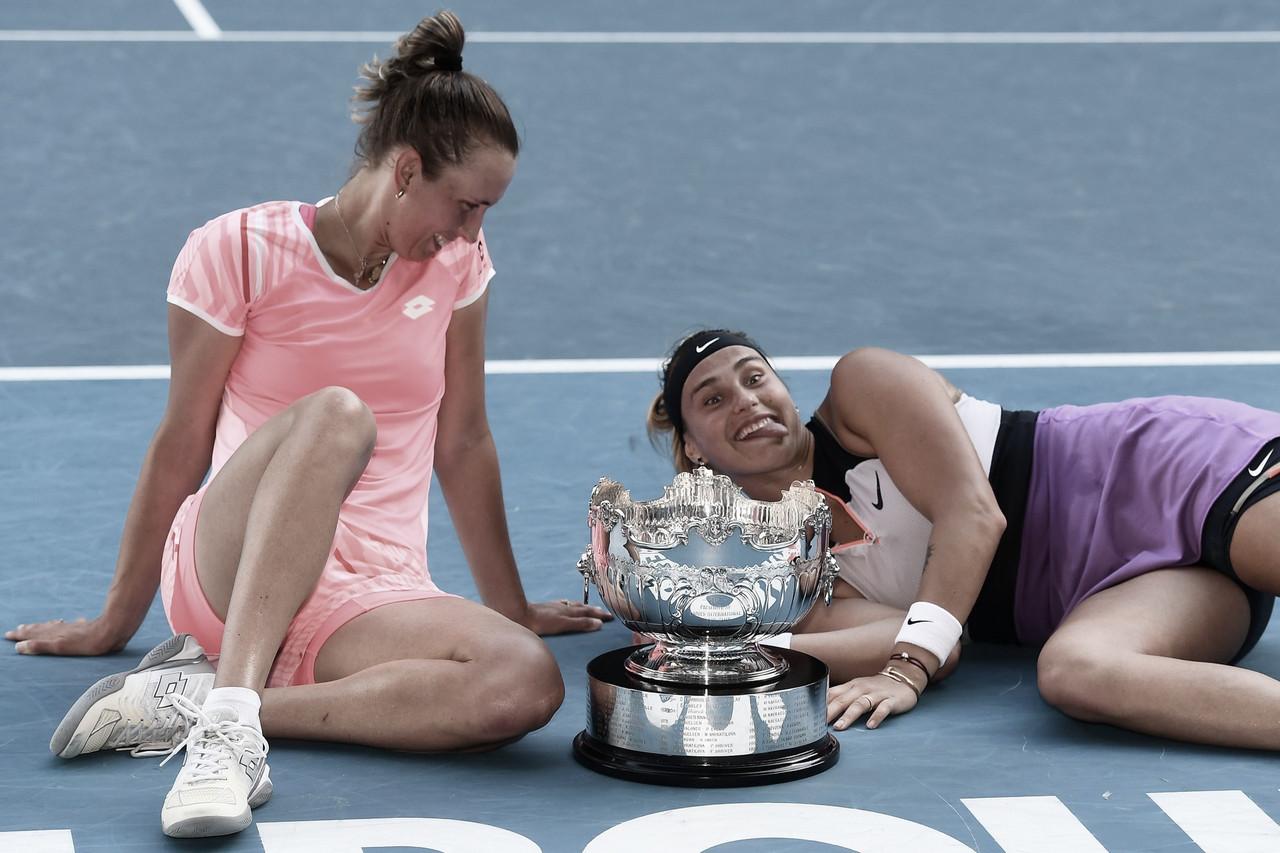 Mertens/Sabalenka vencem Australian Open e assumem liderança do ranking de duplas