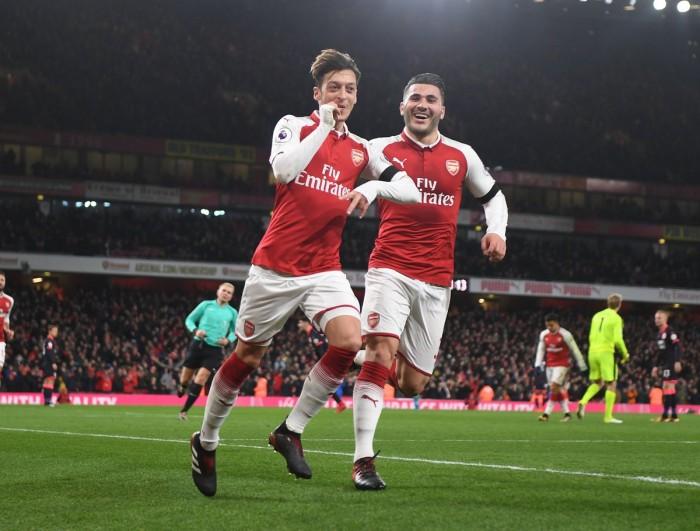 Premier League - L' Arsenal rifila una sonora manita all'Huddersfield, all'Emirates Stadium finisce 5-0