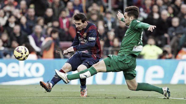 Barcelona goleia Levante com «hat-trick» de Messi