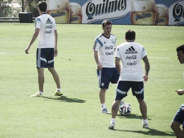 Não satisfeito com a estreia da Argentina, Sabella volta ao esquema usual