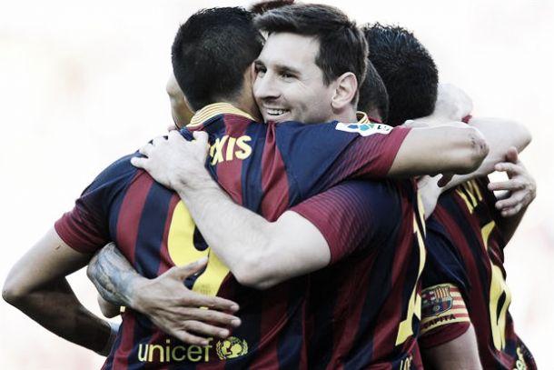 Con doblete de Messi, el Barcelona le ganó al Betis