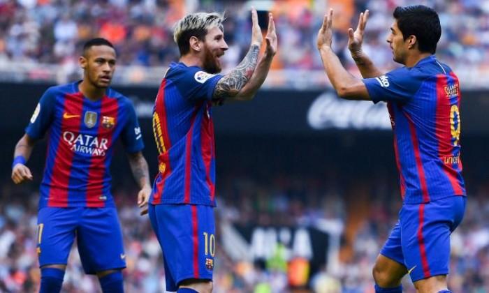 Liga, Messi abbatte il Valencia all'ultimo secondo: 2-3 al Mestalla