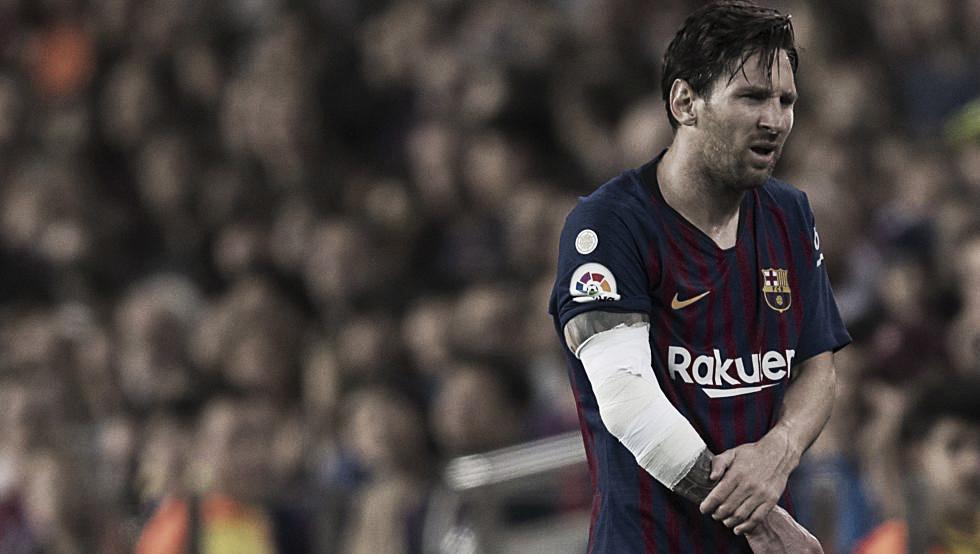 Exame confirma lesão e Messi desfalca Barcelona por três semanas