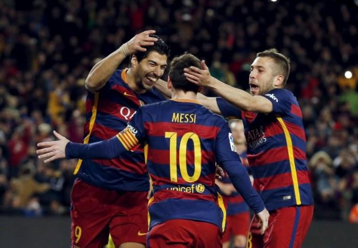 Liga, Messi e Pique trascinano il Barcellona: 2-1 con il Siviglia