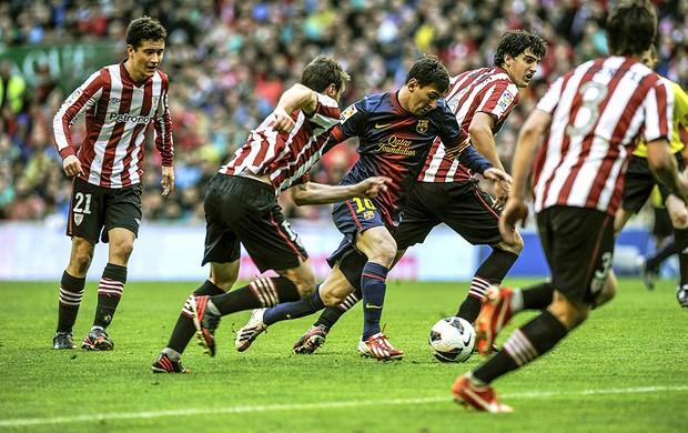 Messi sai do banco, marca golaço, mas Barcelona só empata com Bilbao