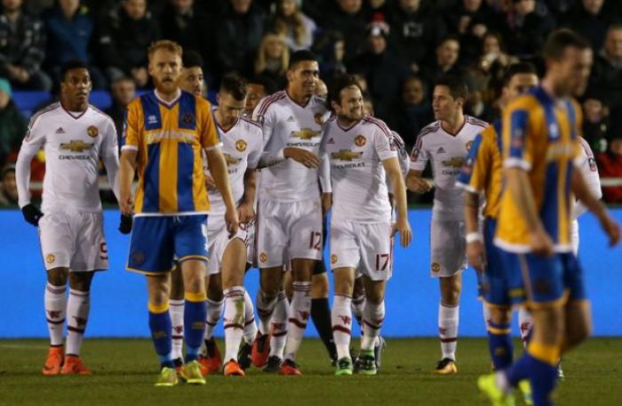 FA Cup, lo United passa facile a Shrewsbury: Smalling, Mata e Lingard firmano lo 0-3