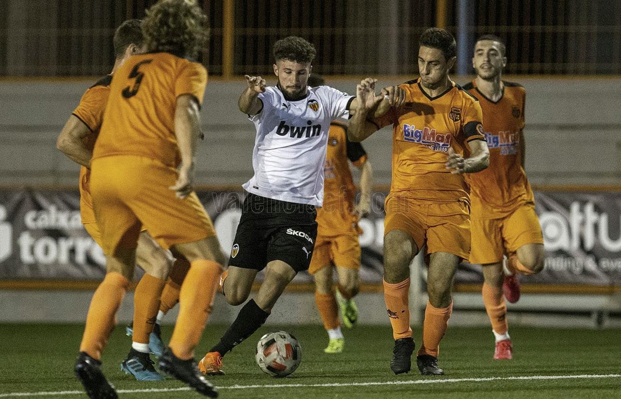 El Valencia Mestalla empata ante el Torrent y sigue generando dudas