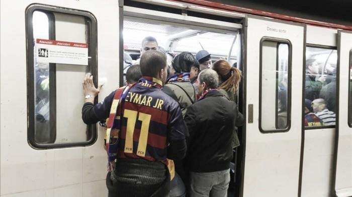 El metro amplía su servicio en las noches de partido en el Camp Nou
