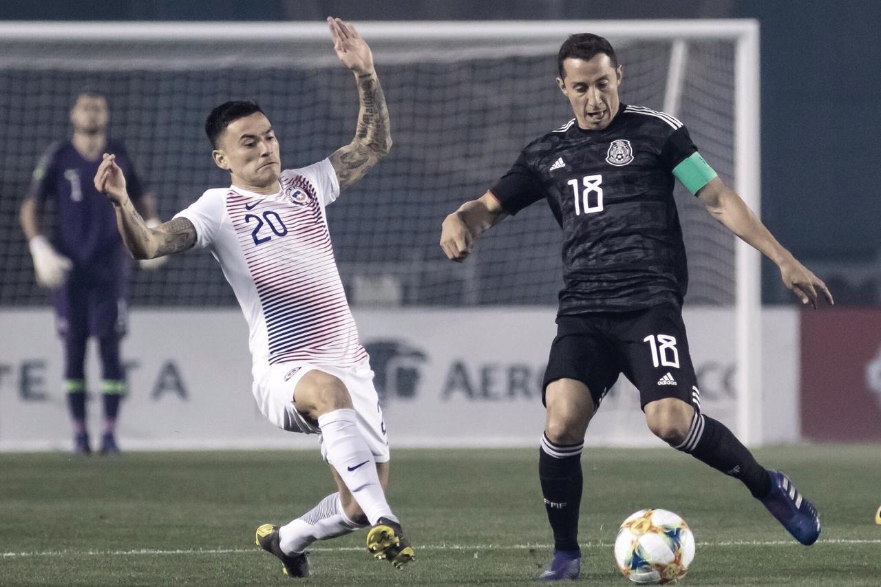 Com gols marcados apenas no segundo tempo, México derrota Chile em amistoso