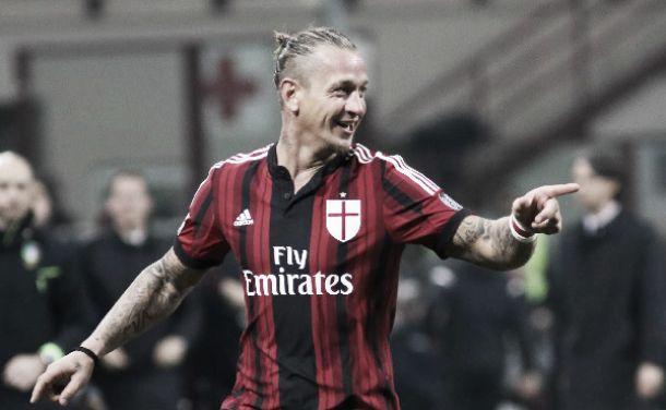 Milan, verso l'Atalanta si scaldano Mexes e De Jong per un posto da titolare