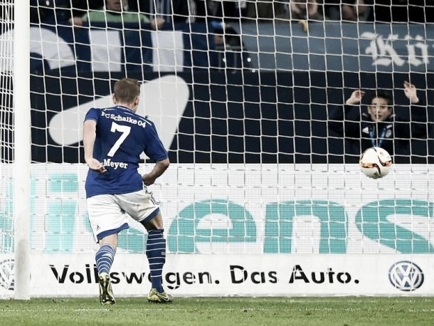 Schalke 04 2-1 Hertha BSC: Max Meyer wins it at the death