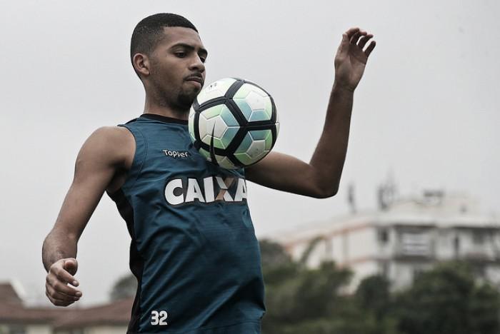 Volante Matheus Fernandes fala sobre expectativa de ser titular no Botafogo