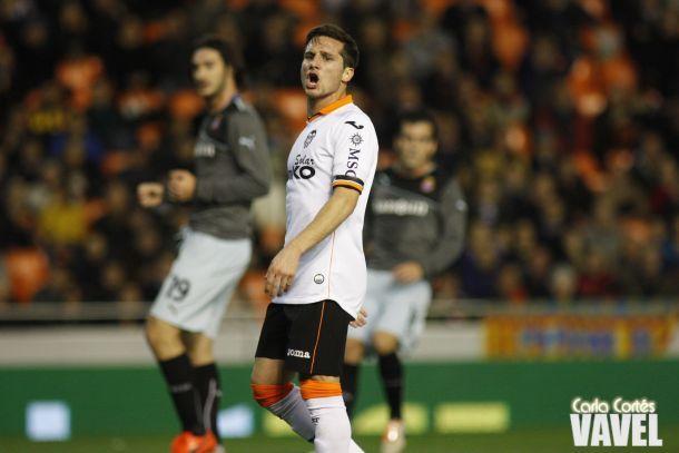 Jonas marca, mas Valencia fica só no empate com Espanyol em casa