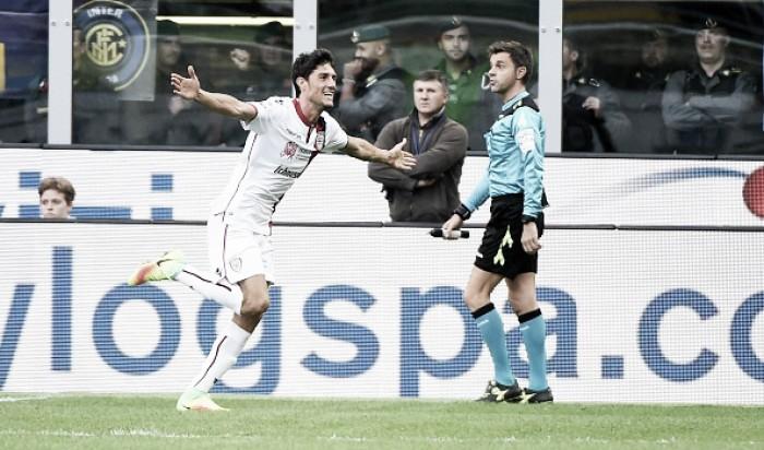 Icardi desperdiça pênalti, Inter perde de virada para o Cagliari e amplia sequência sem vitória