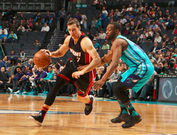 NBA - Charlotte saluta i playoff, Miami vince lo scontro diretto