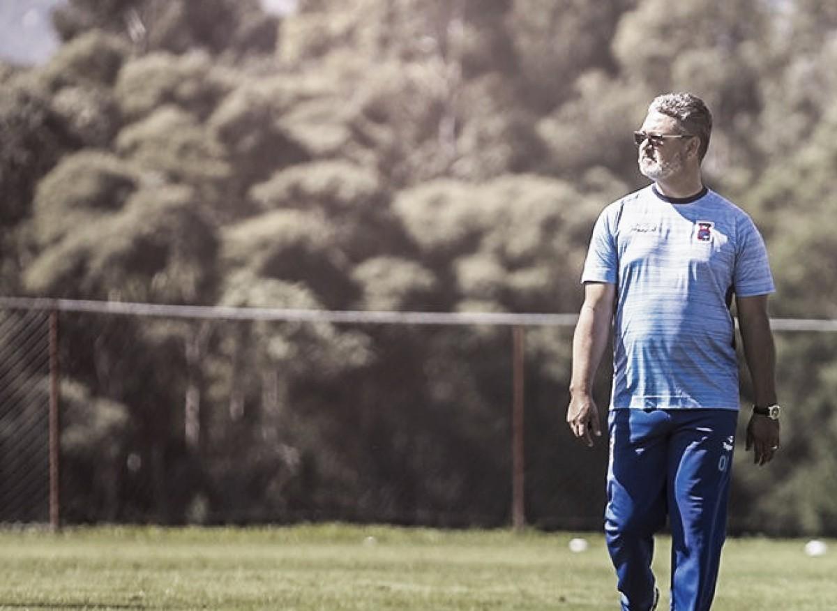 De olho no retorno do Brasileirão, Micale promove mudanças na zaga do Paraná