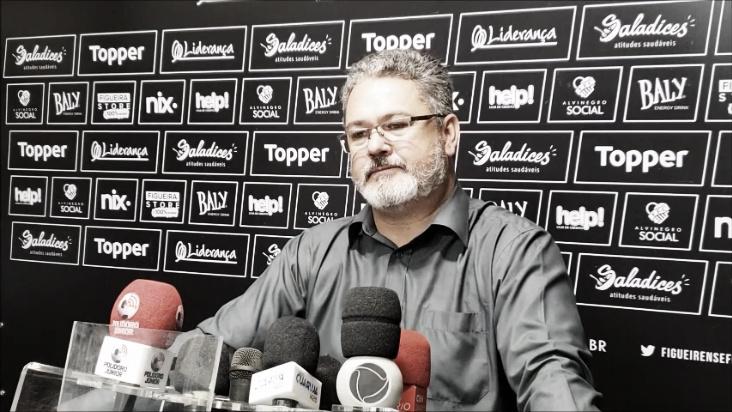 """Micale exalta empenho do Figueirense após novo empate em casa: """"Valorizar a luta"""""""