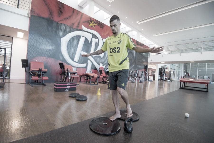 Michael é fotografado treinando no Ninho do Urubu; anúncio oficial ainda não foi feito pelo Flamengo