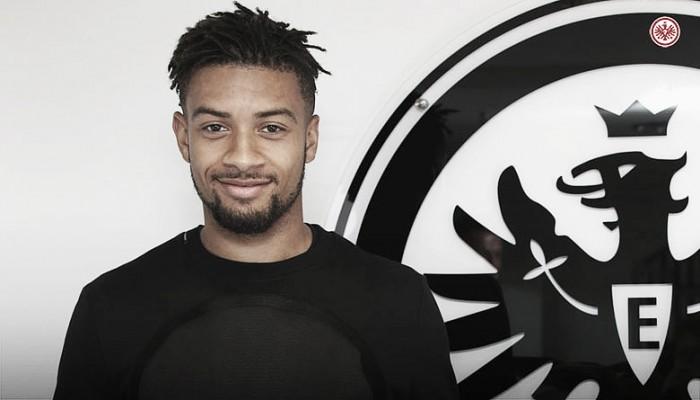 Sem espaço no Chelsea, zagueiro Michael Hector é emprestado ao Frankfurt