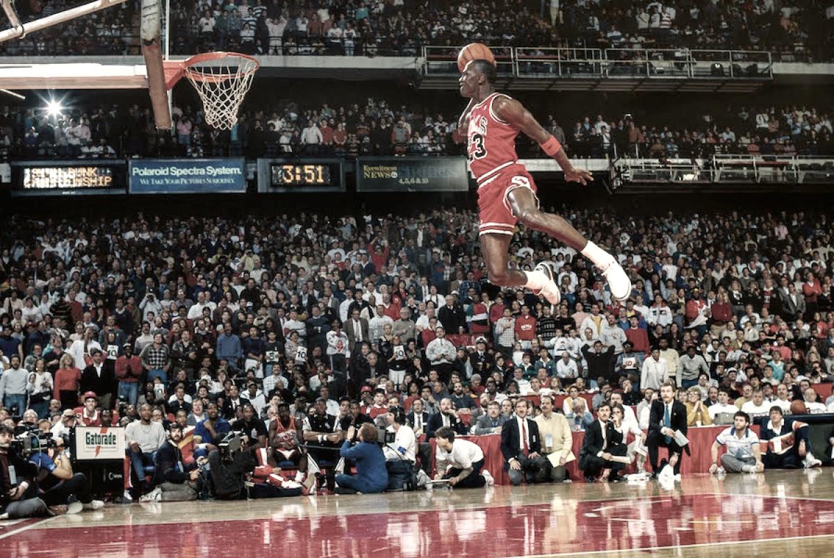 Michael Jordan, Kobe Bryant, Vince Carter... confira as melhores histórias do torneio de enterradas
