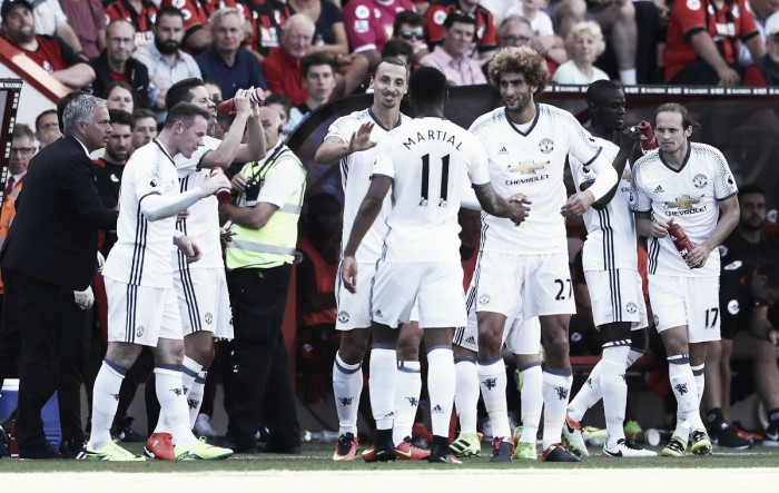 Ibra marca em sua estreia na Premier League e United vence Bournemouth fora de casa